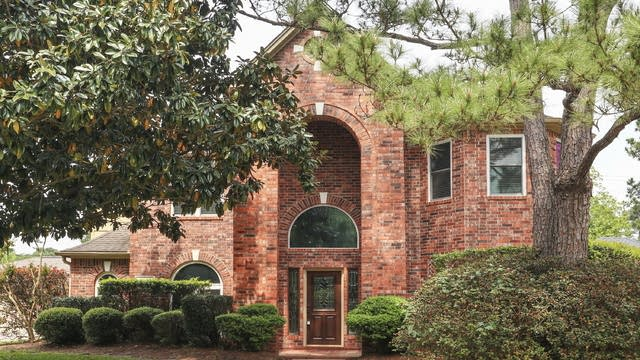 Photo 1 of 25 - 13414 Autumn Valley Dr, Cypress, TX 77429