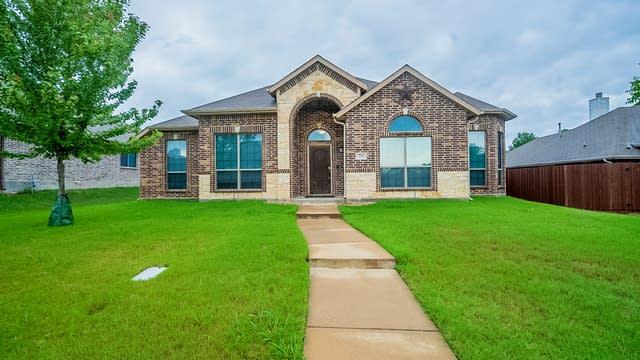 Photo 1 of 25 - 726 Glenhurst Dr, Rockwall, TX 75032