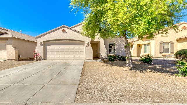 Photo 1 of 22 - 1702 E Maddison Cir, San Tan Valley, AZ 85140