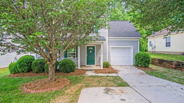 Photo 1 of 14 - 10632 Greatford Ct, Charlotte, NC 28215