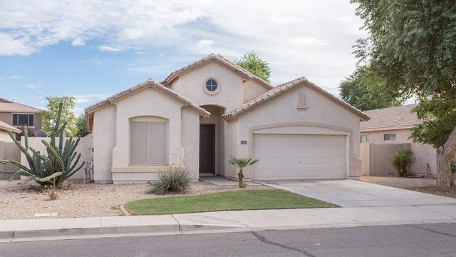 Photo 1 of 26 - 2515 S Martingale Rd, Gilbert, AZ 85295