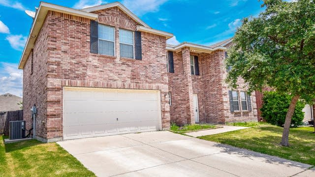 Photo 1 of 35 - 789 Keel Line Dr, Crowley, TX 76036