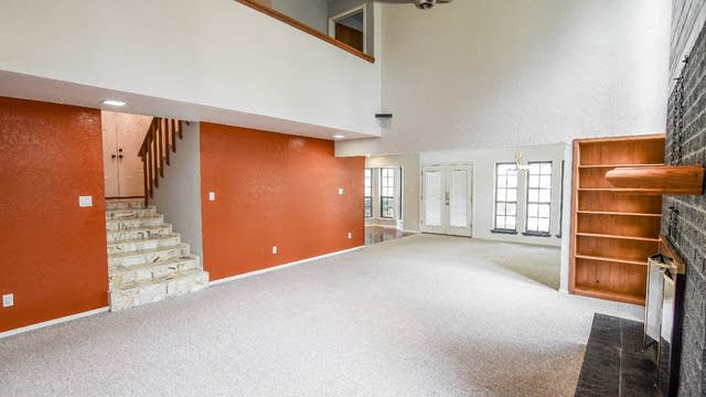 Photo 1 of 30 - 9140 Westwood Shores Dr, Fort Worth, TX 76179