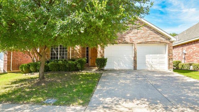 Photo 1 of 42 - 4640 Seneca Dr, Fort Worth, TX 76137
