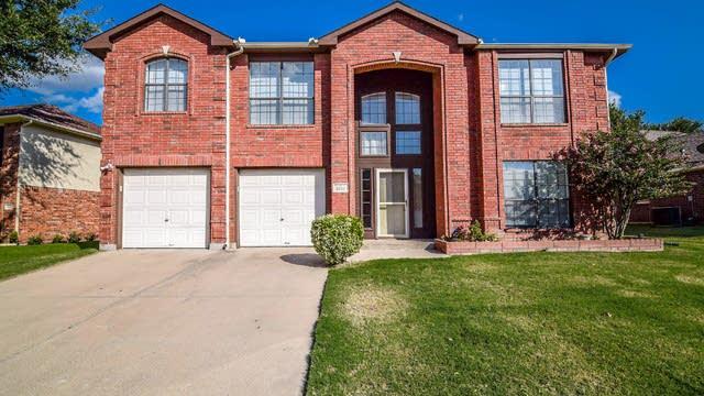 Photo 1 of 40 - 5727 Chelmsford Trl, Arlington, TX 76018