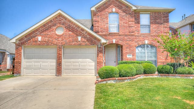 Photo 1 of 39 - 2421 Foxwood Ln, Little Elm, TX 75068