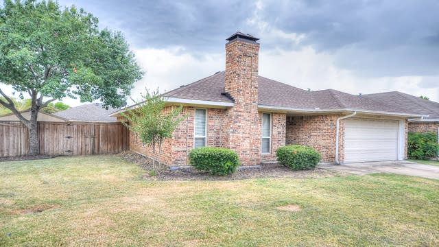 Photo 1 of 29 - 3268 Northview, Carrollton, TX 75007