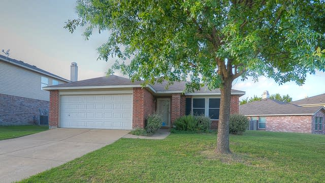 Photo 1 of 25 - 14801 Arborcrest Dr, Balch Springs, TX 75180