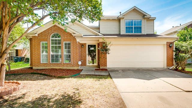 Photo 1 of 23 - 5562 Rocky Mountain Rd, Fort Worth, TX 76137