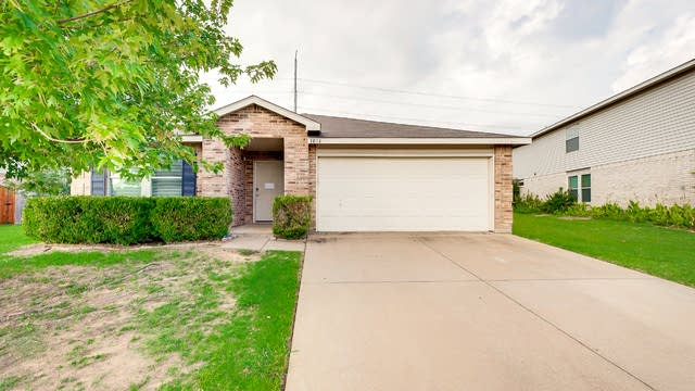 Photo 1 of 52 - 1014 White Dove Dr, Arlington, TX 76017