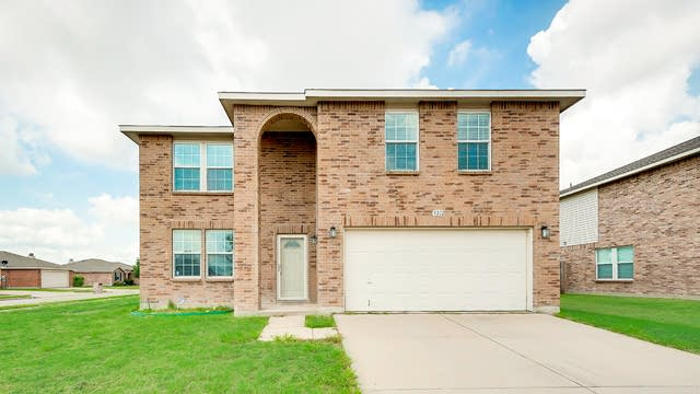 Photo 1 of 26 - 9212 Troy Dr, Fort Worth, TX 76123