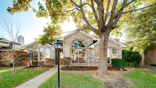 Photo 1 of 22 - 6430 Teresa Ln, Rowlett, TX 75089
