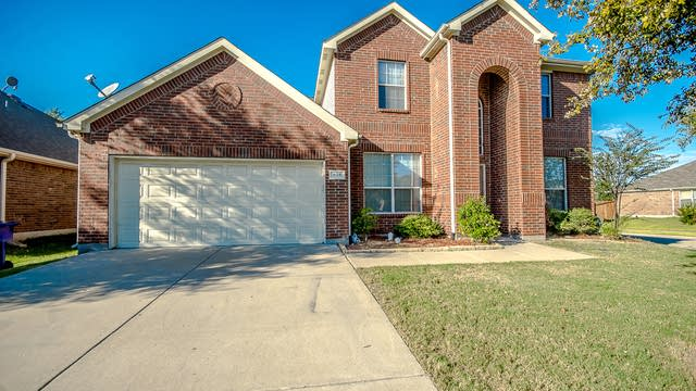 Photo 1 of 30 - 905 Crockett Dr, Lavon, TX 75166