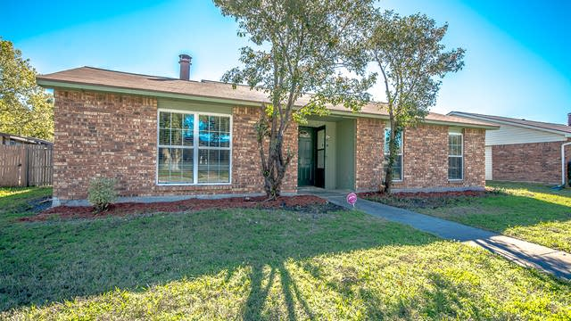 Photo 1 of 24 - 2037 Clark Trl, Grand Prairie, TX 75052