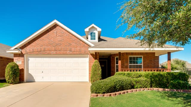 Photo 1 of 24 - 1228 Boxwood Dr, Crowley, TX 76036