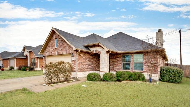 Photo 1 of 23 - 536 Laurel Ln, Rockwall, TX 75132