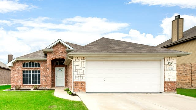 Photo 1 of 26 - 7445 Durness Dr, Fort Worth, TX 76179