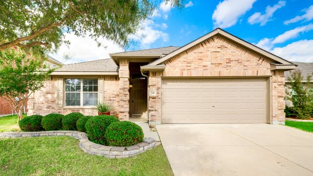 Photo 1 of 26 - 348 Chalkstone Dr, Fort Worth, TX 76131