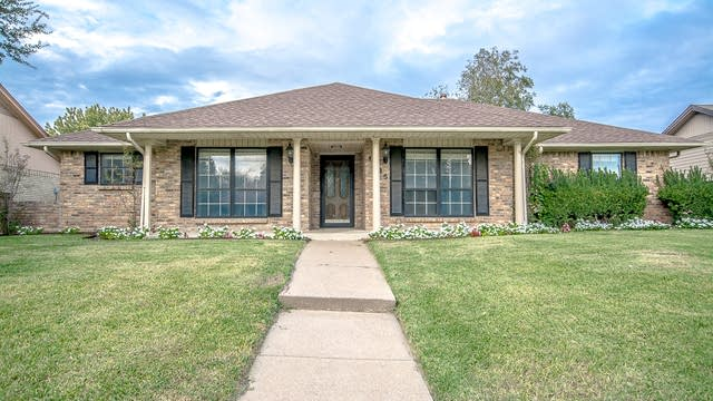 Photo 1 of 24 - 1925 Westminster Dr, Carrollton, TX 75007