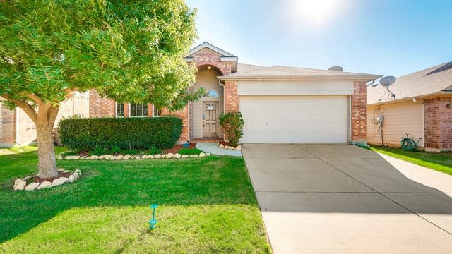 Photo 1 of 23 - 1029 Fort Apache Dr, Haslet, TX 76052