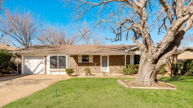 Photo 1 of 28 - 405 E Taylor St, Keller, TX 76248