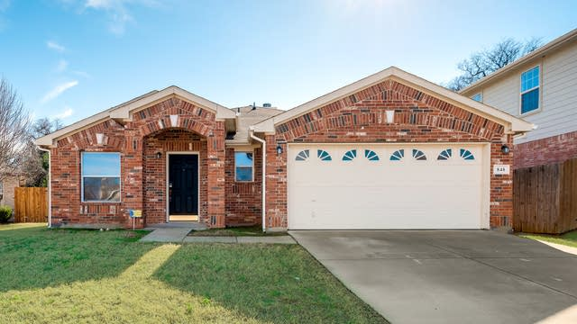 Photo 1 of 26 - 848 Hidden Point Dr, Fort Worth, TX 76120