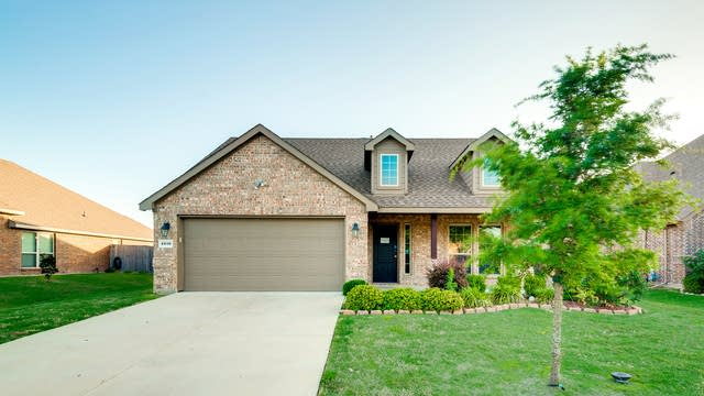 Photo 1 of 27 - 1030 White Porch Ave, Forney, TX 75126