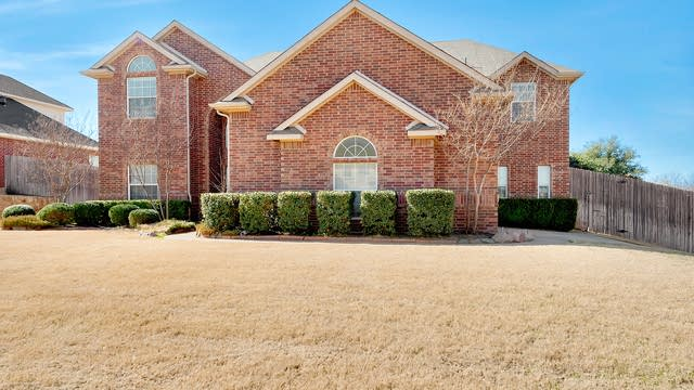Photo 1 of 27 - 600 Lakewood Dr, Kennedale, TX 76060