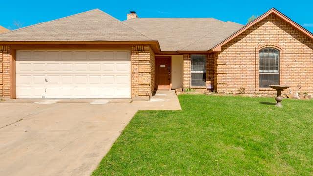 Photo 1 of 24 - 803 Crystal Creek Ln, Arlington, TX 76001