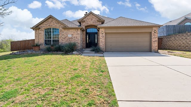 Photo 1 of 30 - 1760 Sunset Ridge Dr, Grand Prairie, TX 75050