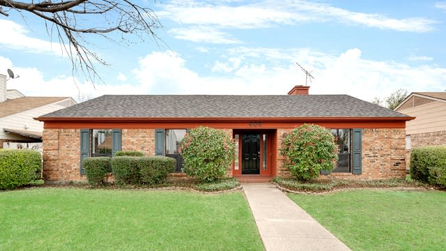 Photo 1 of 26 - 408 Ripplewood Dr, Mesquite, TX 75150
