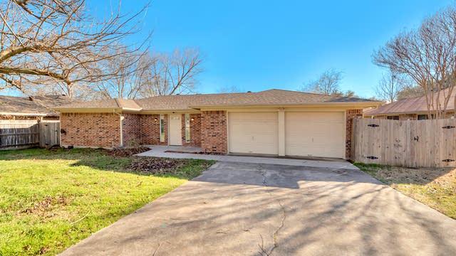 Photo 1 of 24 - 1800 Timberline Dr, Benbrook, TX 76126