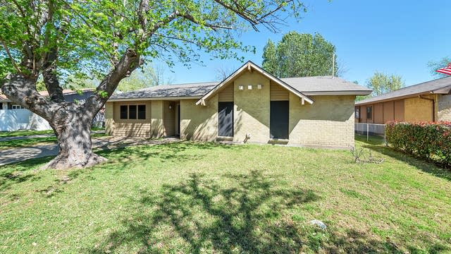 Photo 1 of 29 - 3106 Edelweiss Dr, Grand Prairie, TX 75052