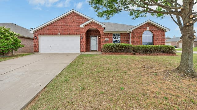 Photo 1 of 21 - 2013 Sword Fish Dr, Mansfield, TX 76063