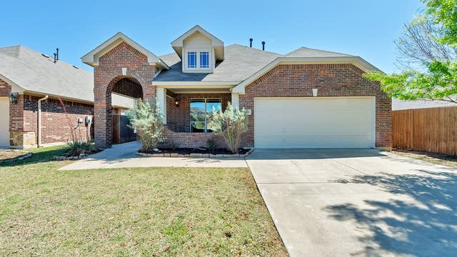Photo 1 of 30 - 8000 Ash Meadow Dr, Fort Worth, TX 76131