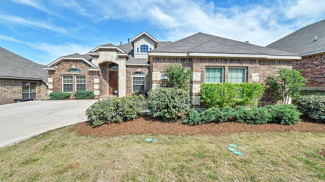 Photo 1 of 36 - 8313 Southern Prairie Dr, Fort Worth, TX 76123