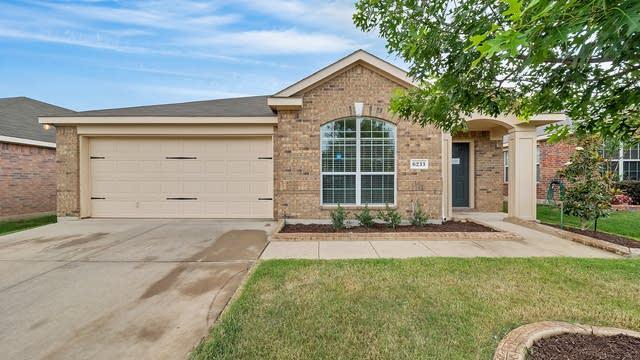 Photo 1 of 26 - 6233 Granite Creek Dr, Fort Worth, TX 76179