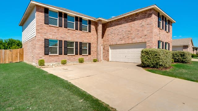 Photo 1 of 31 - 1719 Harvest Crossing Dr, Wylie, TX 75098