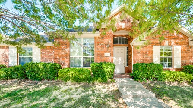 Photo 1 of 33 - 6337 Branchwood Trl, The Colony, TX 75056