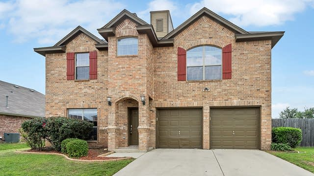 Photo 1 of 28 - 7449 Durness Dr, Fort Worth, TX 76179