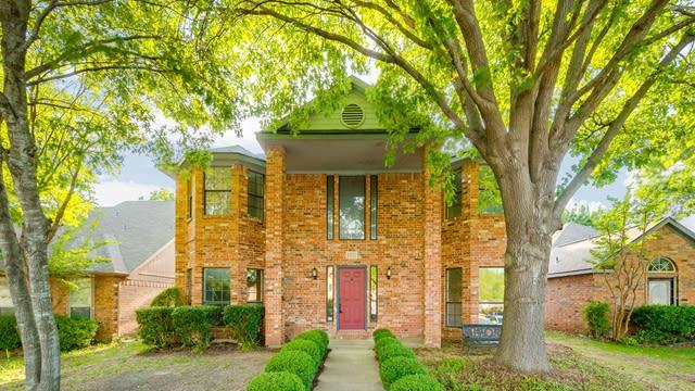 Photo 1 of 27 - 1523 Allen Dr, Cedar Hill, TX 75104