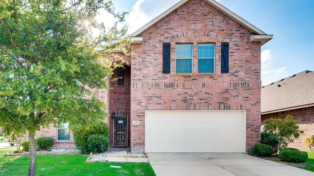 Photo 1 of 35 - 1110 Luton Dr, Prosper, TX 75078