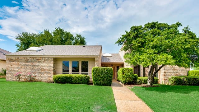 Photo 1 of 36 - 2901 Shalimar Dr, Plano, TX 75023