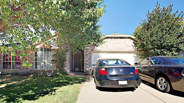 Photo 1 of 2 - 7702 Albany Ln, Arlington, TX 76002