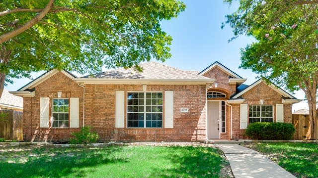 Photo 1 of 32 - 8212 Pioneer Dr, Frisco, TX 75034