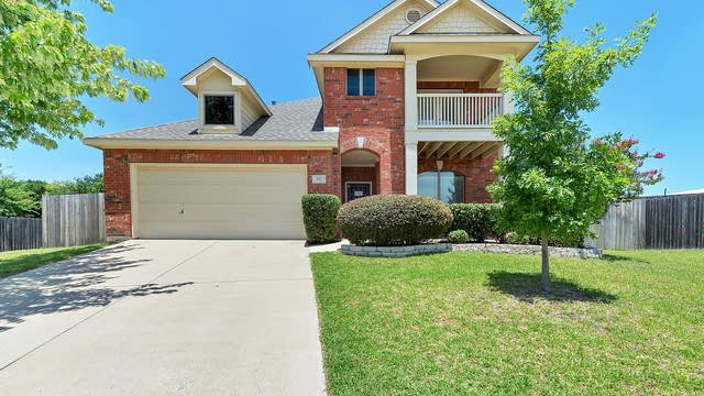 Photo 1 of 38 - 717 Collett Ct, Crowley, TX 76036
