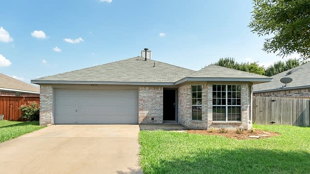 Photo 1 of 22 - 3212 Dove Valley Ln, Mansfield, TX 76063