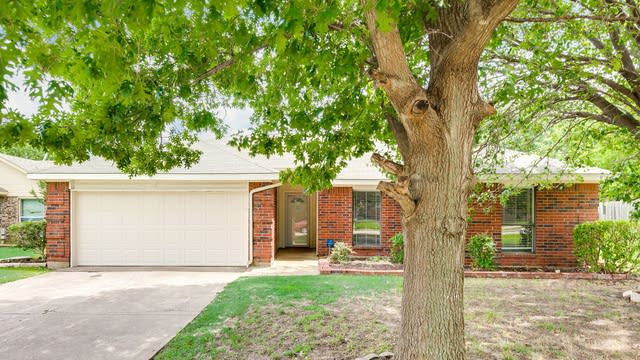 Photo 1 of 29 - 1106 Cypress Dr, Mesquite, TX 75149