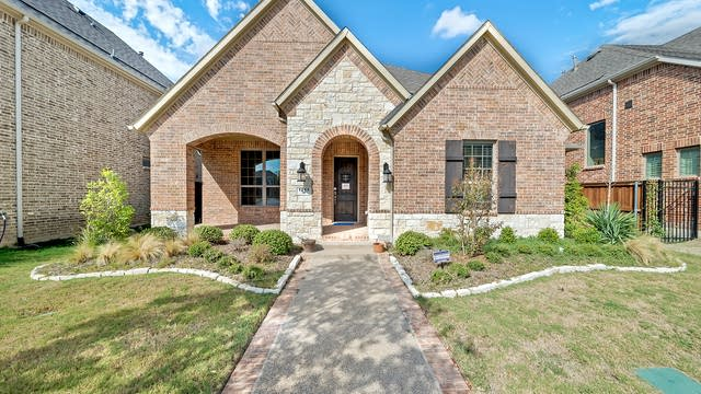Photo 1 of 29 - 1219 Autumn Mist Way, Arlington, TX 76040