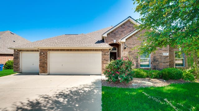 Photo 1 of 36 - 2309 Bridgeport Dr, Little Elm, TX 75068
